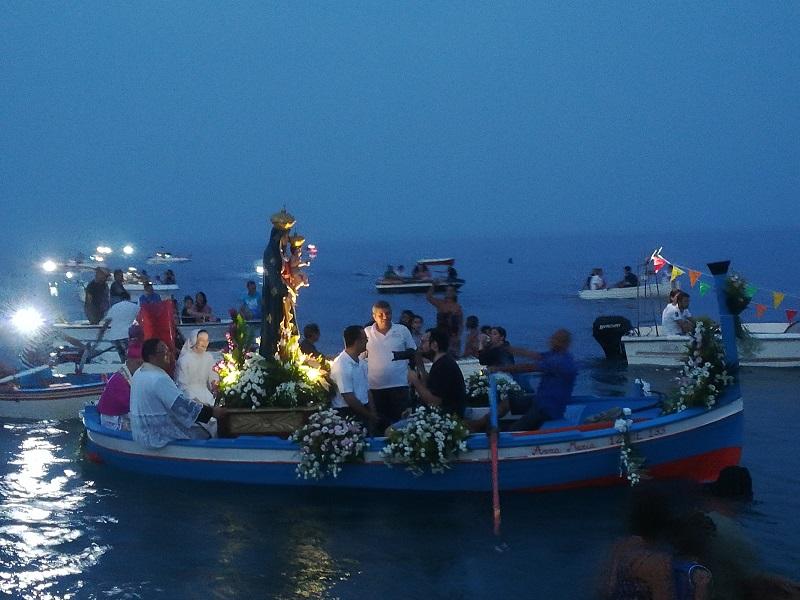MPS. Tradizionale processione a mare - fonte web -